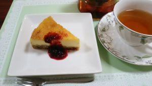 ベイクドチーズケーキ/ブラックベリーソース (ノンシュガー)